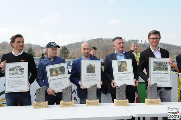 Zdjęcia z odsłonięcia kolejnych tablic w Alei Sław Kolarstwa - Sobótka 08.04.2018 r. (fot. FotoVideo Sobótka)